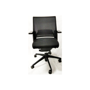 cadeira-preta-escritório